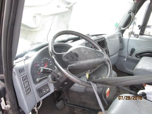 INTERNATIONAL 4400 Cab
