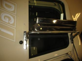 INTERNATIONAL 9800 Mirror (Side View)