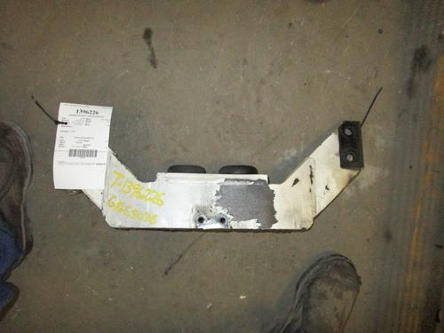 PETERBILT 357 Engine Mounts