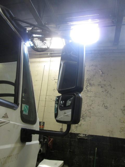 INTERNATIONAL 7400 Mirror (Side View)