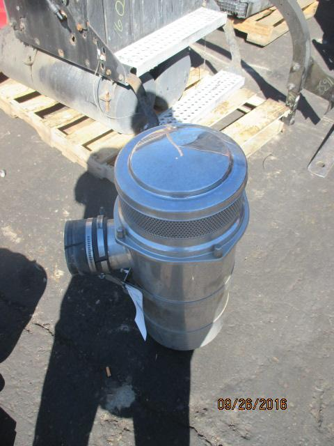 INTERNATIONAL 9900I Air Cleaner