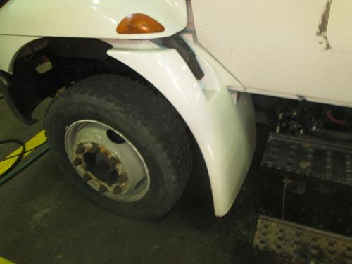 INTERNATIONAL 4100 Fender Extension