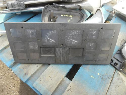 INTERNATIONAL 4700 Instrument Cluster