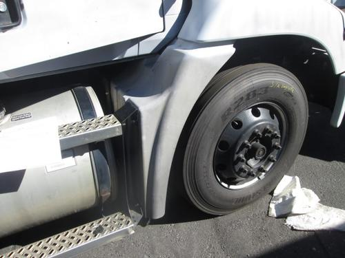 MACK CXU612 Fender Extension