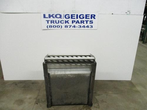 FREIGHTLINER CASCADIA 125 Tool Box