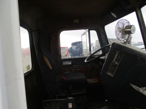 FREIGHTLINER FLD120 SD Cab