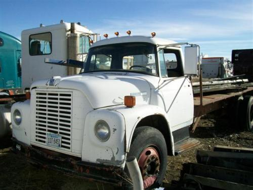 INTERNATIONAL 1600 Cab