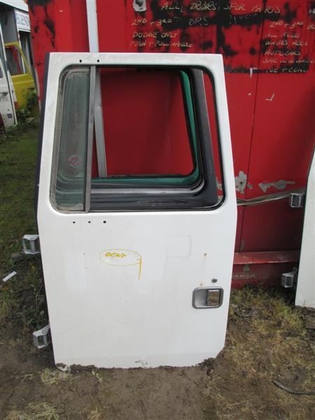 VOLVO WXLL Door Assembly, Front