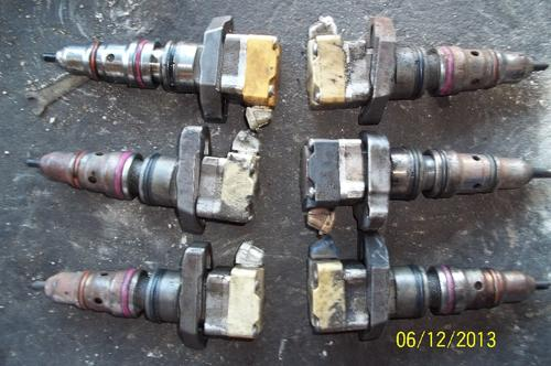 INTERNATIONAL DT530E Fuel Injector