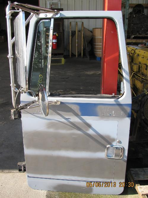 VOLVO WCA Door Assembly, Front