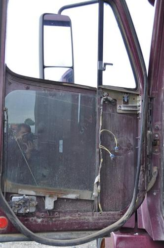 FREIGHTLINER CENTURY 120 Door Glass, Front