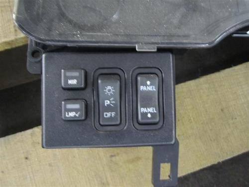 INTERNATIONAL 4300 Instrument Cluster