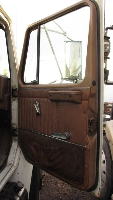 INTERNATIONAL 1700 Door Assembly, Front
