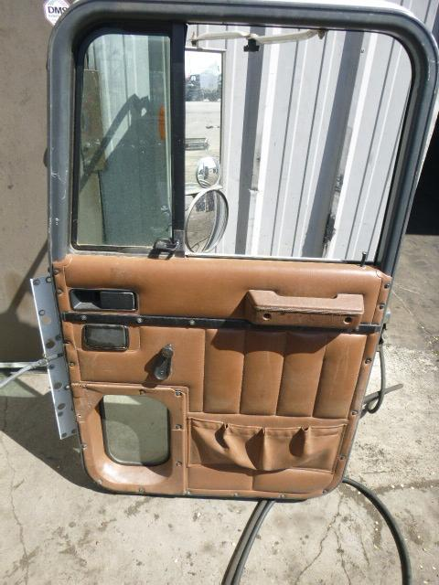 INTERNATIONAL F9370 Door Assembly, Front