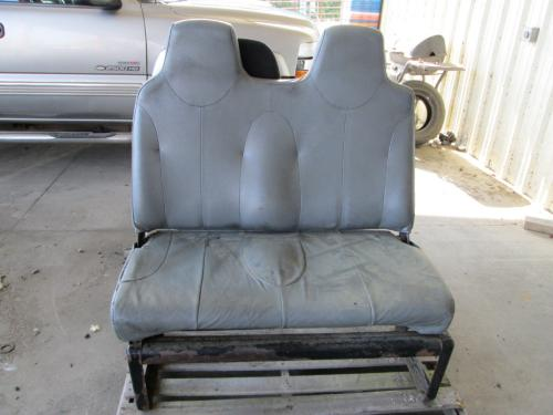 INTERNATIONAL 7400 Seat, Front