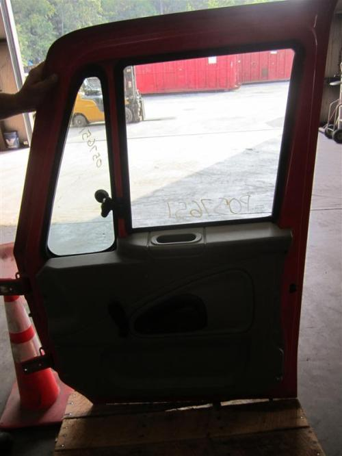 INTERNATIONAL 4200LP Door Assembly, Front