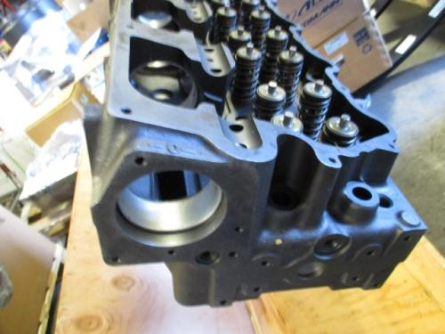 CAT  Cylinder Head
