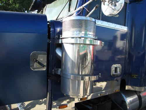 FREIGHTLINER FLD132 CLASSIC XL Air Cleaner