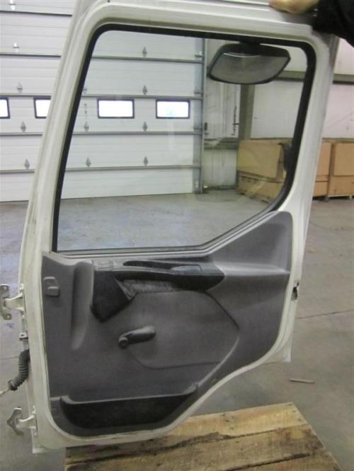 MACK MV322 Door Assembly, Front