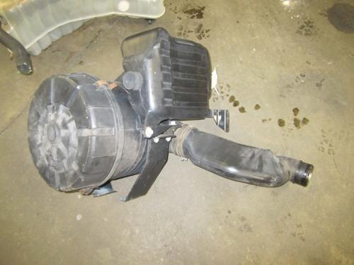 MITSUBISHI FUSO FE84 Air Cleaner