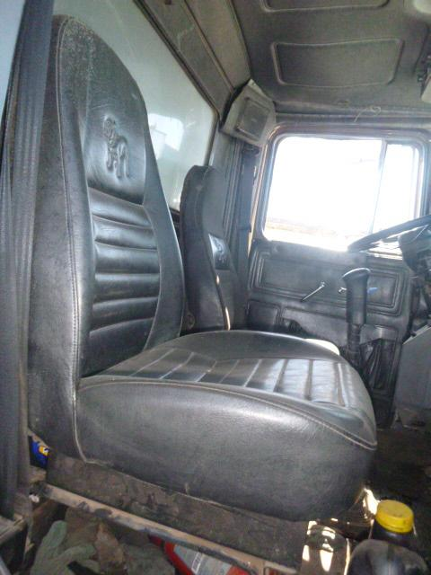 MACK RD690 Seat, Front