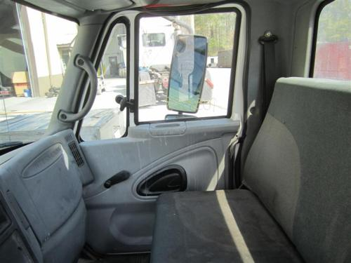 INTERNATIONAL 4200LP Cab