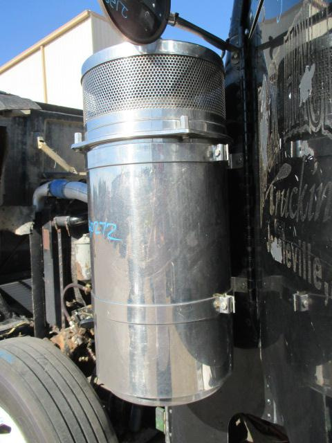 FREIGHTLINER FLD120 SD Air Cleaner