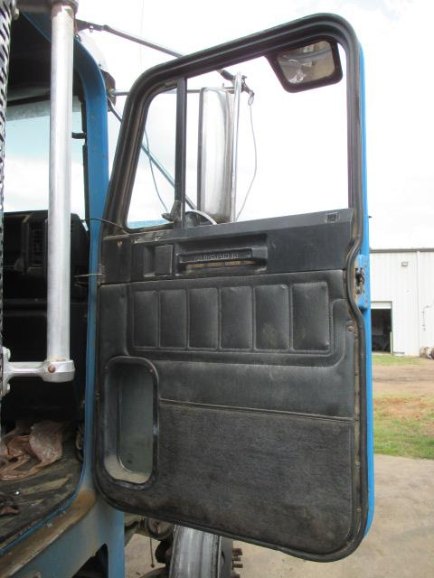 FREIGHTLINER FLD120 SD Door Assembly, Front