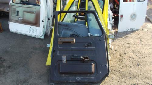 INTERNATIONAL F7100 Door Assembly, Front