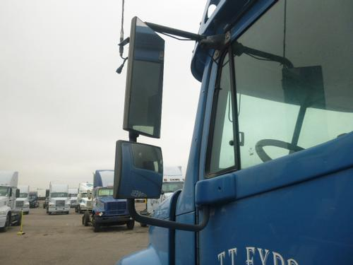 FREIGHTLINER COLUMBIA 112 Mirror (Side View)
