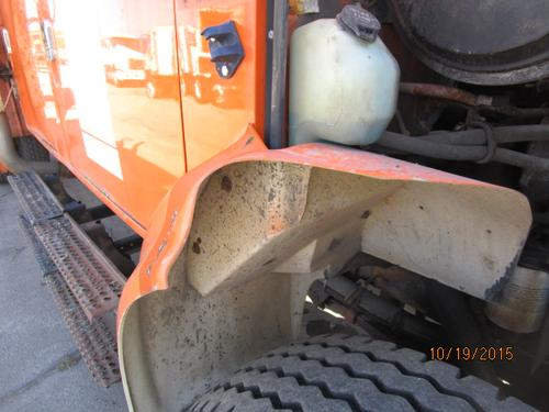 INTERNATIONAL F4900 Fender Extension