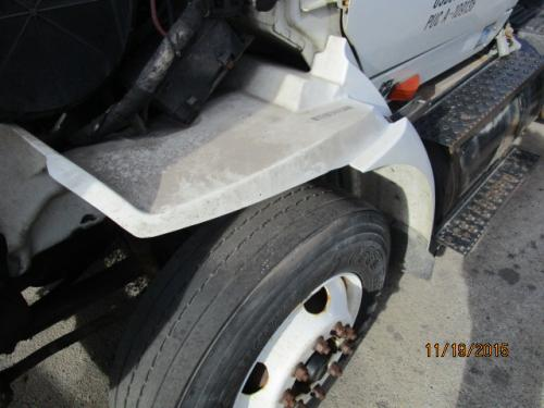 INTERNATIONAL 8600 Fender Extension
