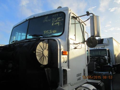 INTERNATIONAL 9100 Cab