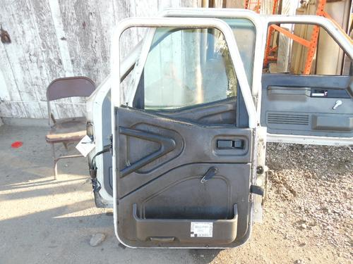 INTERNATIONAL 9100I Door Assembly, Front
