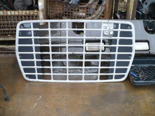 FORD LN8000 Grille