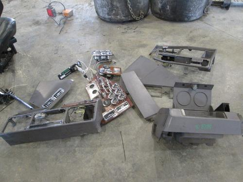 FREIGHTLINER FLD132 CLASSIC XL Dash Assembly