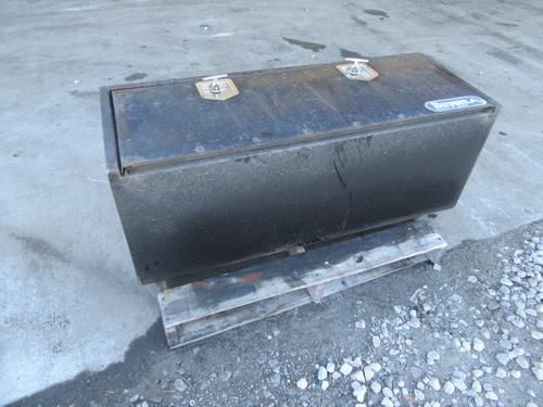 INTERNATIONAL 7500 Tool Box