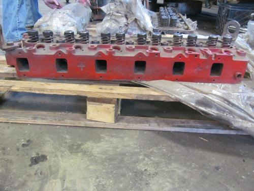 INTERNATIONAL DT466 Cylinder Head