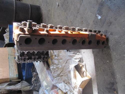 INTERNATIONAL 308 Cylinder Head