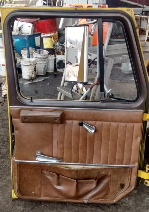 INTERNATIONAL S SERIES Door Assembly, Front