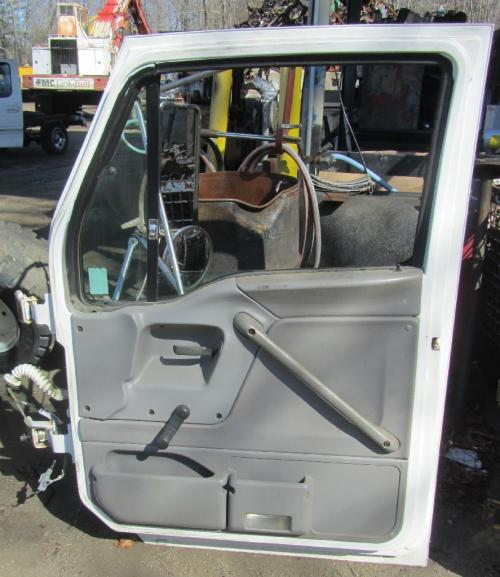 FORD LT9513 LOUISVILLE 113 Door Assembly, Front