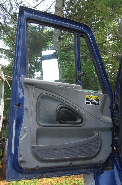 INTERNATIONAL 7600 Door Assembly, Front