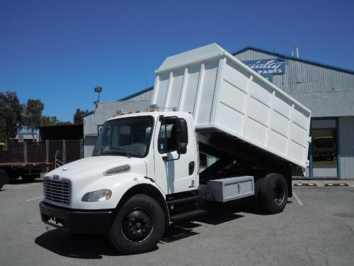 FREIGHTLINER M2 106 MEDIUM DUTY Complete Vehicle
