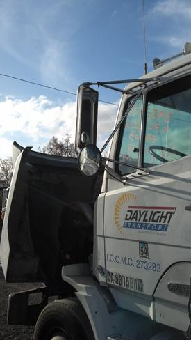 FREIGHTLINER FLC11264T/ST Mirror (Side View)