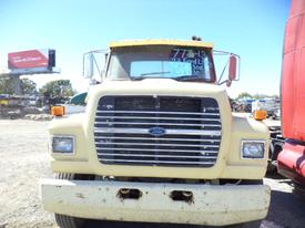 FORD L9000 Bumper Assembly, Front