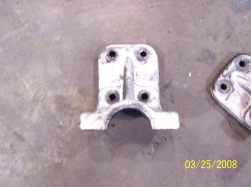 FORD LTS8000 Engine Mounts
