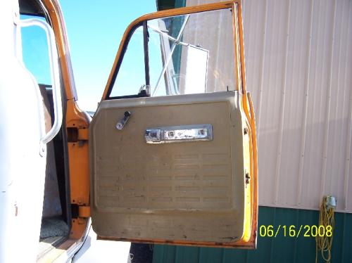 INTERNATIONAL 2070A Door Assembly, Front