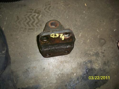 FREIGHTLINER FL70 Engine Mounts