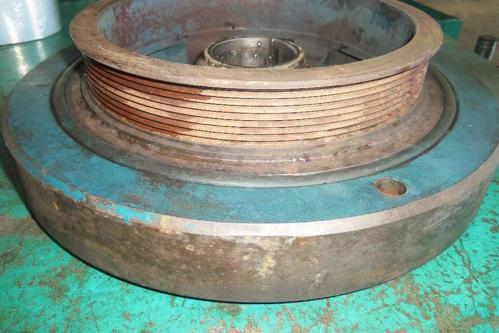 INTERNATIONAL DT466E Harmonic Balancer
