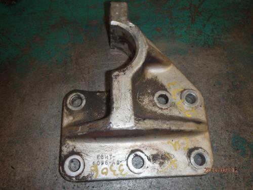 FORD LTS9000 Engine Mounts